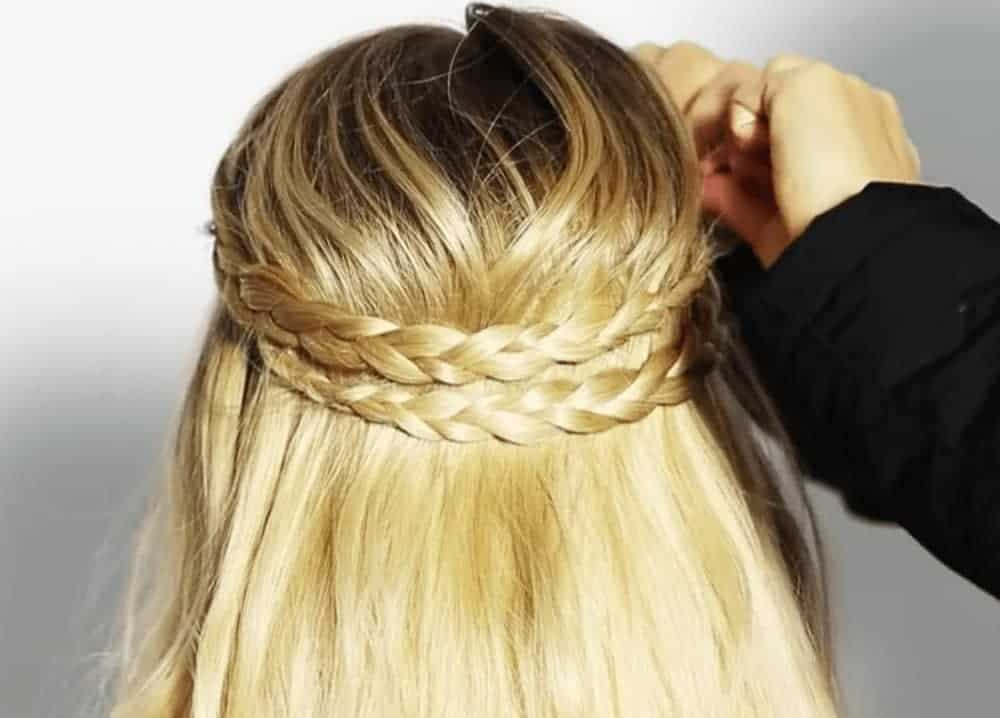 45 Easy Hairstyles That Anyone Can Make Anytime, Anywhere
